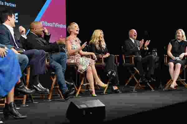 """""""鲨鱼坦克"""" 明星在第10季前夕剖析了他们的节目的受欢迎程度"""