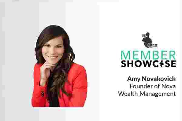 艾米·诺瓦科维奇如何使金融业更加透明