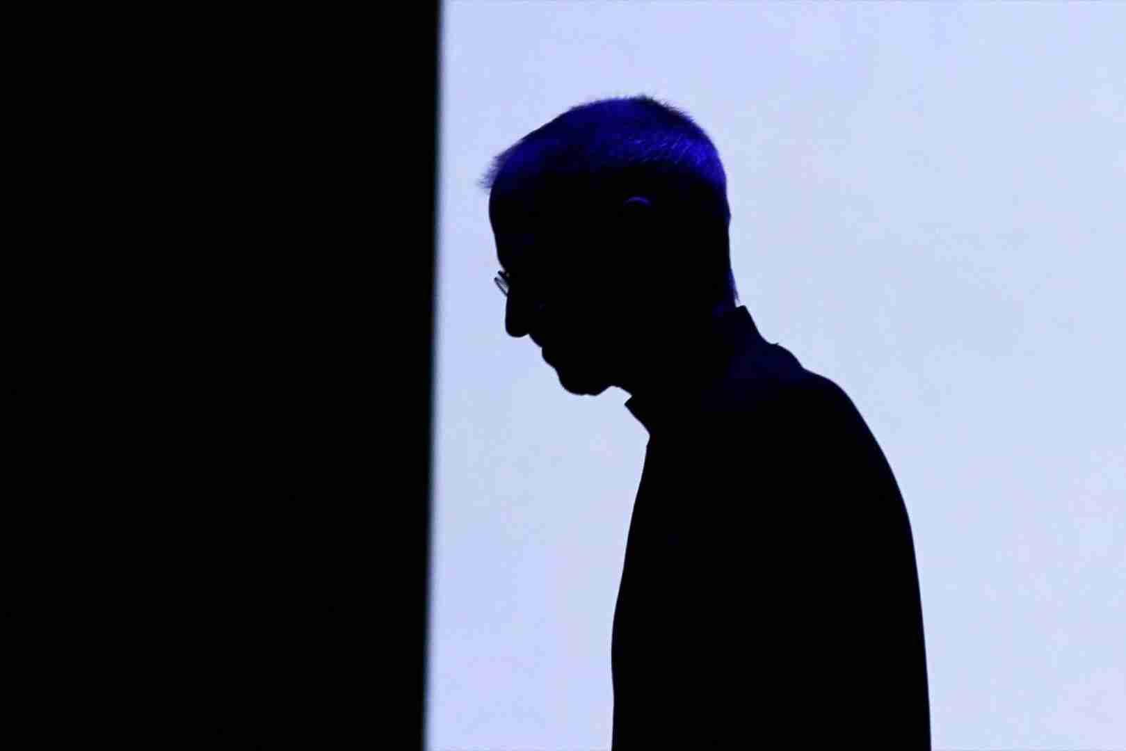 史蒂夫·乔布斯 (Steve Jobs) 会在马克·扎克伯格 (Mark Zuckerberg) 的鞋子上做什么?